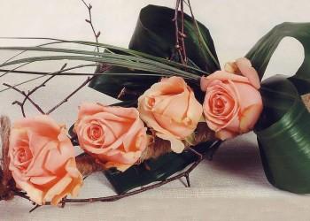 Сделать букет из роз