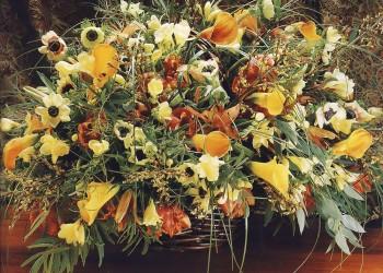Весеннаяя композиция из цветов