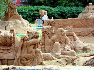 Песчаные скульптуры в Аптекарском саду