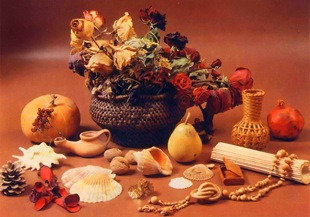Композиция из сухоцветов и природных материалов