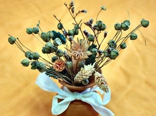Букет из сухоцветов в вазе